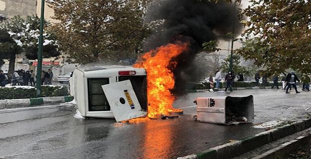 و باز هم وسیله نقلیه ای که در آتش سوخت
