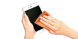 ضدعفونی کردن موبایل - با آب و صابون گوشی خود را تمیز و ضدعفونی کنید