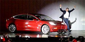 پاداش تسلا - ایلان ماسک از تسلا 2.1 میلیارد دلار پاداش می گیرد