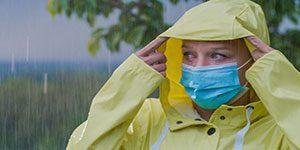 ماسک پارچه ای - راهنمای استفاده از ماسک در روزهای بارانی